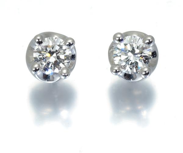 ブルガリ ピアス ダイヤモンド 0.2ct/0.2ct程 コロナ K18WG