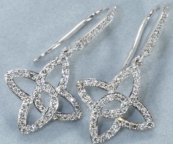 ルイヴィトン ピアス ダイヤモンド アルダント フルール K18WG