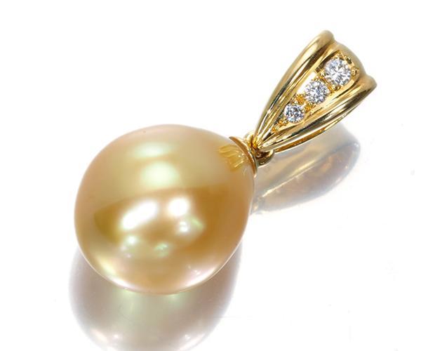 TASAKI タサキ ペンダントトップ 白蝶真珠  ゴールデンパール ダイヤモンド 0.03ct K18YG