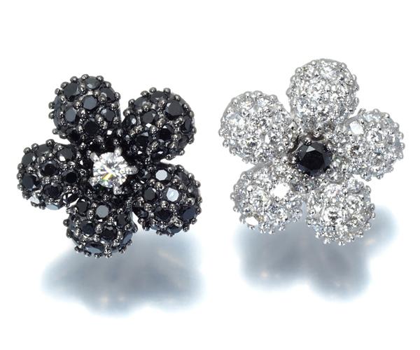 ポンテヴェキオ ピアス ブラック&クリアダイヤモンド 0.83ct フラワー K18WG