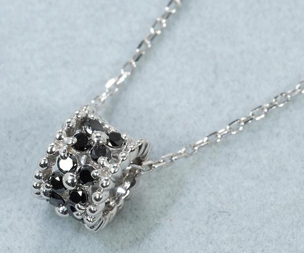 ポンテヴェキオ ネックレス ブラックダイヤモンド 0.11ct フラワー K18WG