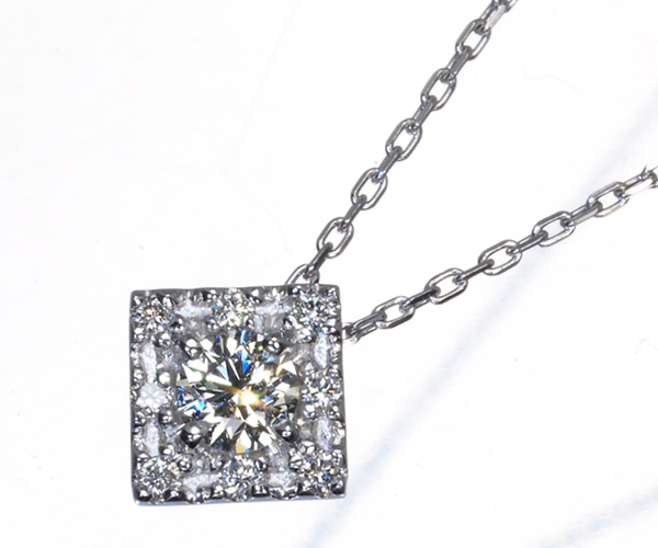 ヴァンドーム ネックレス ダイヤモンド 0.11ct スクエアデザイン K18WG