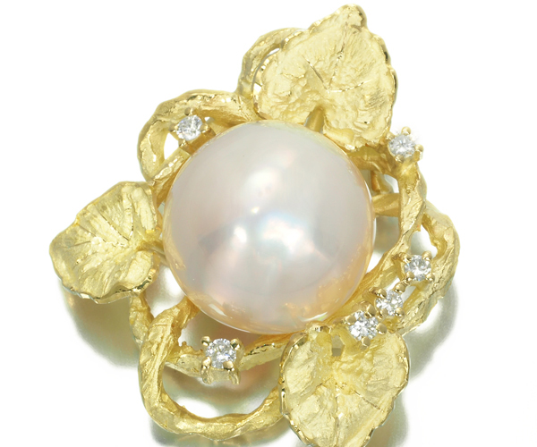 TASAKI タサキ ペンダントトップ マベパール パール ダイヤモンド 0.12ct リーフ K18YG