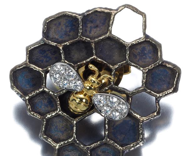 ギメル ブローチ ダイヤモンド 0.143ct 蜂 ハチ K18YG/Pt950/SV950