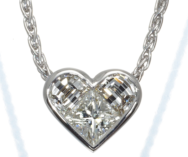 ブルガリ ネックレス ダイヤモンド クオーレ ハート K18WG