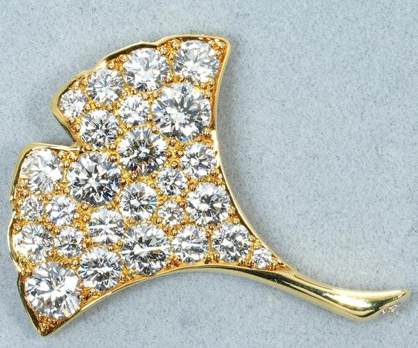 ギメル ブローチ ダイヤモンド 0.978ct イチョウ K18YG