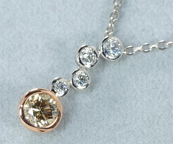 カシケイ ネックレス ダイヤモンド 0.25ct/0.12ct ベゼル Pt900/K18PG/Pt850