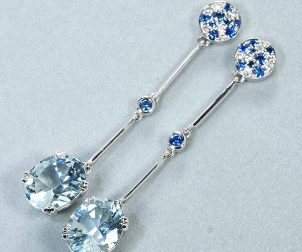 モーブッサン ピアス アクアマリン サファイア ダイヤモンド K18WG