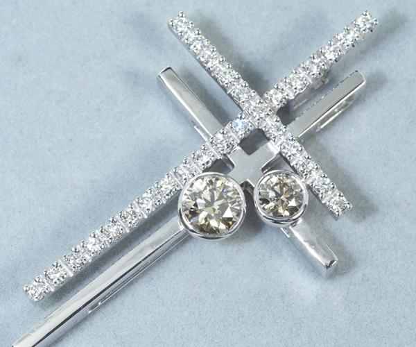 カシケイ ペンダントトップ ダイヤモンド 0.58ct/0.37ct ダブルクロス ブラウン&クリア K18WG