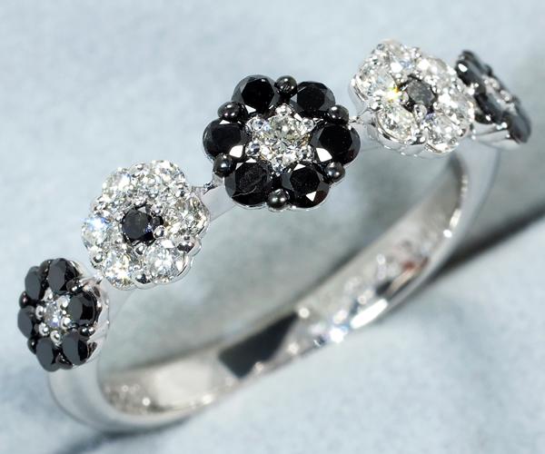 ポンテヴェキオ リング ブラック&クリアダイヤモンド 0.20ct/0.25ct フラワー K18WG
