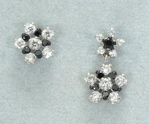 ポンテヴェキオ ピアス ブラック&クリア ダイヤモンド フラワー K18WG