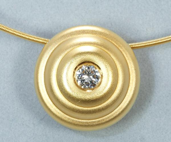 ニーシング ネックレス ダイヤモンド K18YG