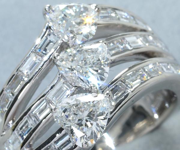 モニッケンダム リング ハートシェイプ ダイヤモンド 1.789ct バケット 1.37ct Pt900