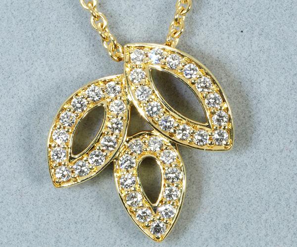 ハリーウィンストン ネックレス ダイヤモンド リリークラスター ミニ K18YG