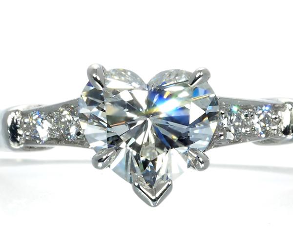 ハリーウィンストン リング ダイヤモンド 0.76ct トリスト ハートシェイプカット 11号 Pt950