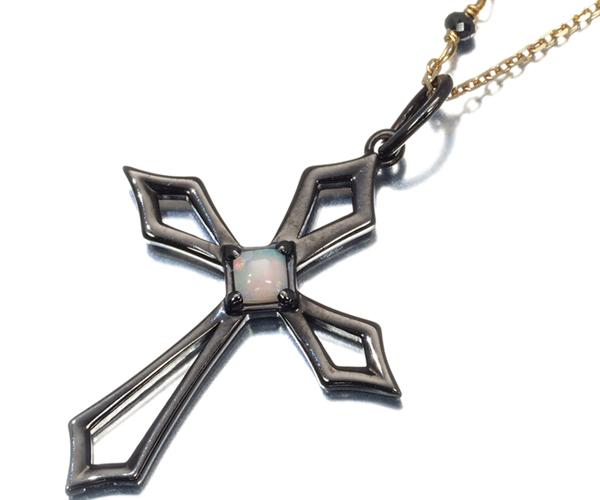 アガット ネックレス オパール ブラックダイヤモンド クロス K10YG/ブラックコーティング