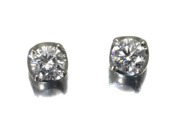 4℃ ヨンドシー ダイヤ ダイヤモンド ピアス Pt900