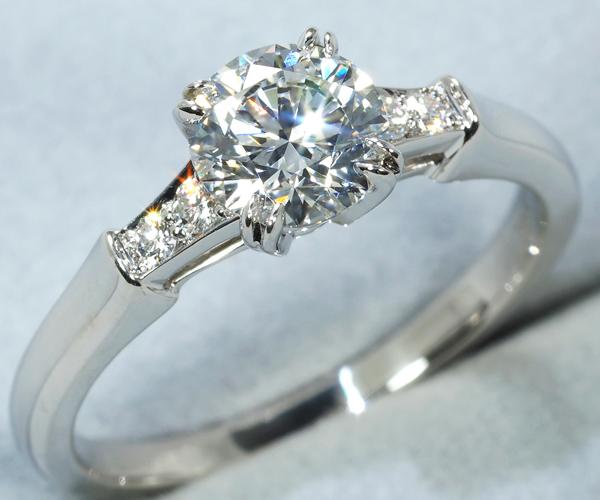 ハリーウィンストン リング ダイヤモンド 0.82ct E VS1 3EX トリスト 11号 Pt950