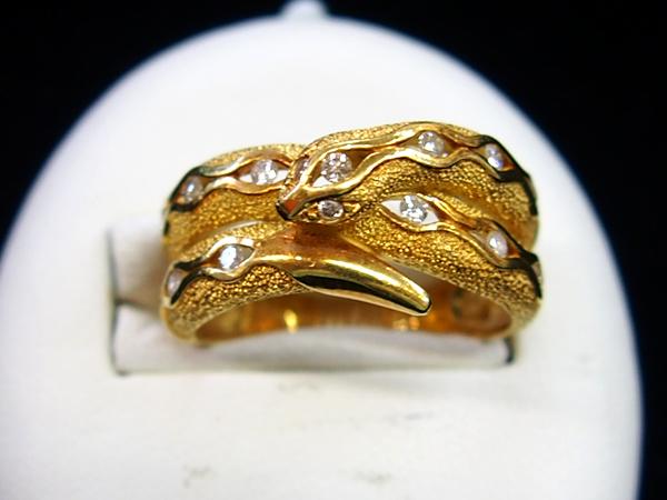 18金 イエローゴールド ダイヤモンド 蛇 スネーク リング