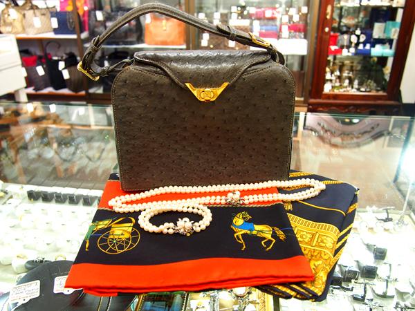 CELINE スカーフ 2点 オーストリッチ ハンドバッグ 真珠ブレスレット/ネックレス