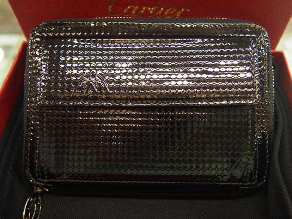 Cartier エナメル ファスナー お財布