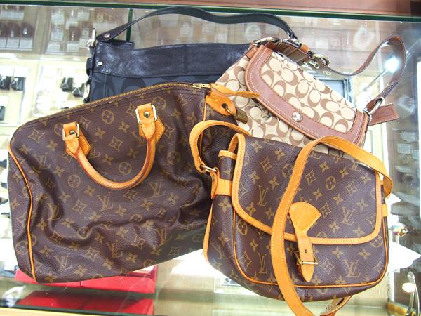 COACH bag 2点 LOUIS VUITTON バッグ2点