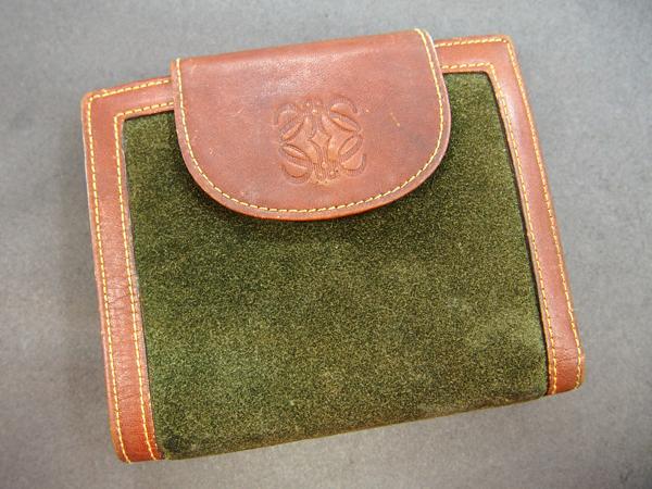 LOEWE 二つ折り財布