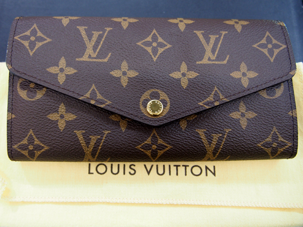 LOUIS VUITTON モノグラム サラ 財布