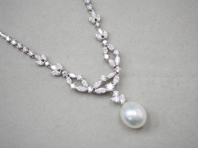 ネックレス Pt900/Pt850 26.5g 白蝶真珠ダイヤ 5.20ct