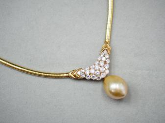 ネックレス K18YG 29.9g 白蝶真珠ダイヤ 2.31ct