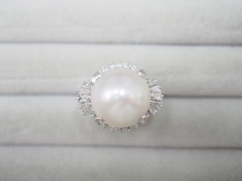 リング Pm900 14.3g 白蝶真珠ダイヤ 1.03ct