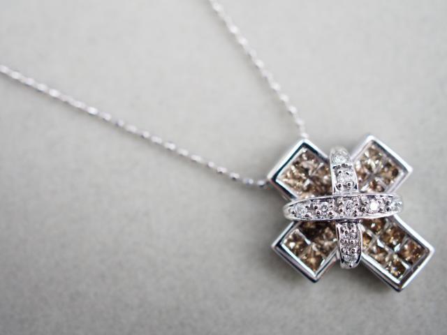 レ・エッセンシャル ネックレス K18WG 5.1g ブラウンダイヤ1.06ctダイヤ 0.05ct