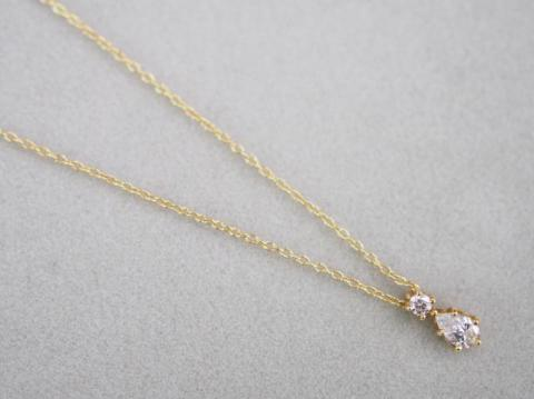 アーカー ネックレス K18YG 1.4g ダイヤ 0.14ct ホーリーナイト