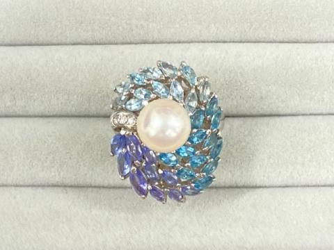 リング Pt900 15.6g 白蝶真珠 9.5mm珠ダイヤ 0.03ctトパーズ アクアマリン タンザナイト