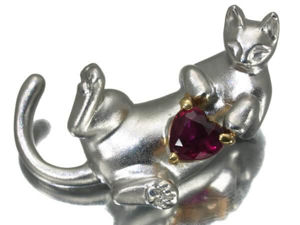 猫 ルビー 0.26ct ブローチ K18 6g 25,000円