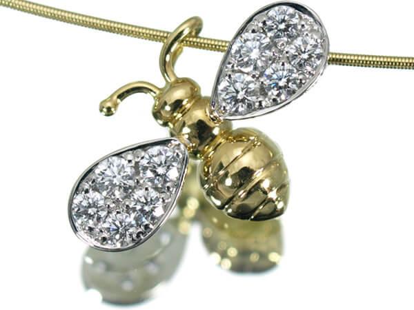 ギメル Bee蜂 ダイヤモンド0.14カラット ネックレス 100,000円