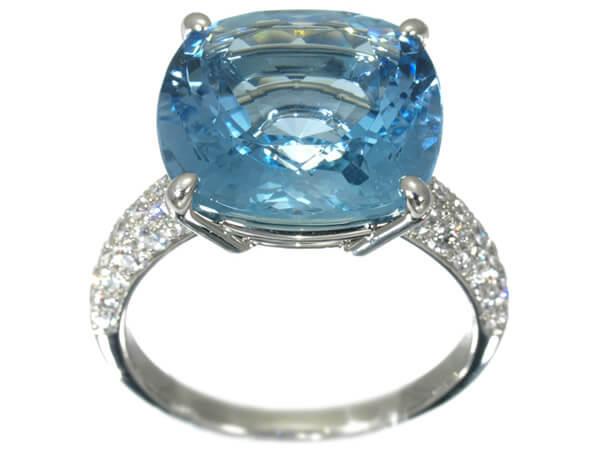 ギメル アクアマリン9.3カラット ダイヤモンド0.68カラット プラチナ950 リング 400,000円