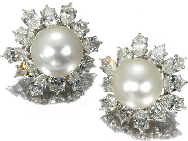 ハリーウィンストン パーツ ダイヤモンド イヤリング プラチナ950 デザイン26×29mm 参考買取価格:5,000,000円(お問合せください)