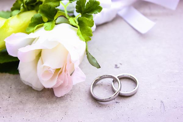 いらなくなったダイヤモンドの結婚指輪。高額買取してもらおう!