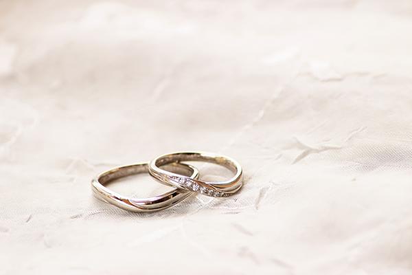 婚約指輪徹底ガイド。購入から売却まで解説!
