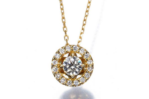至極のダイヤモンドジュエラー・フォーエバーマークとは?